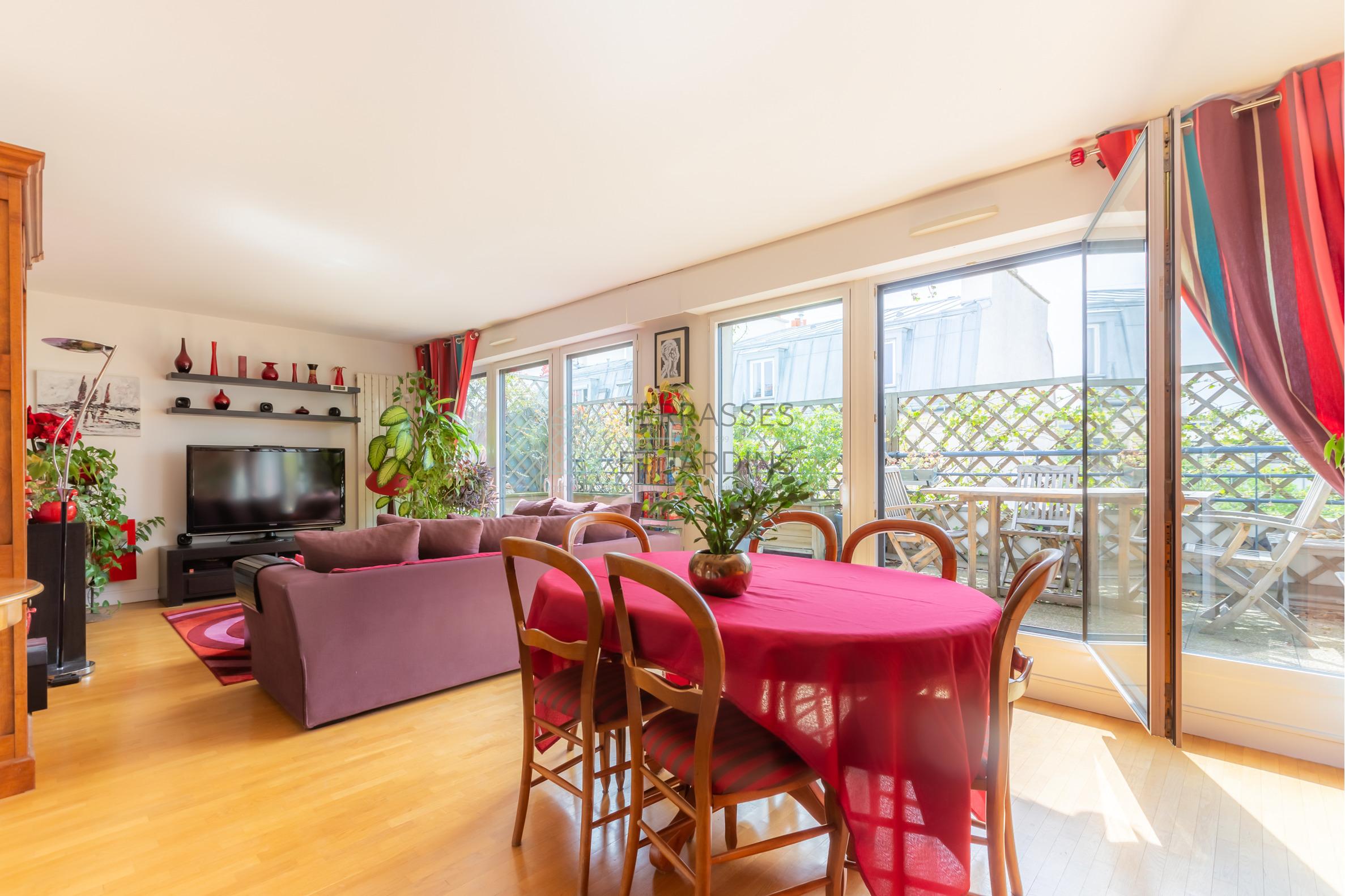 Paris 11 – République – Appartement 5p – Terrasse – Dernier étage