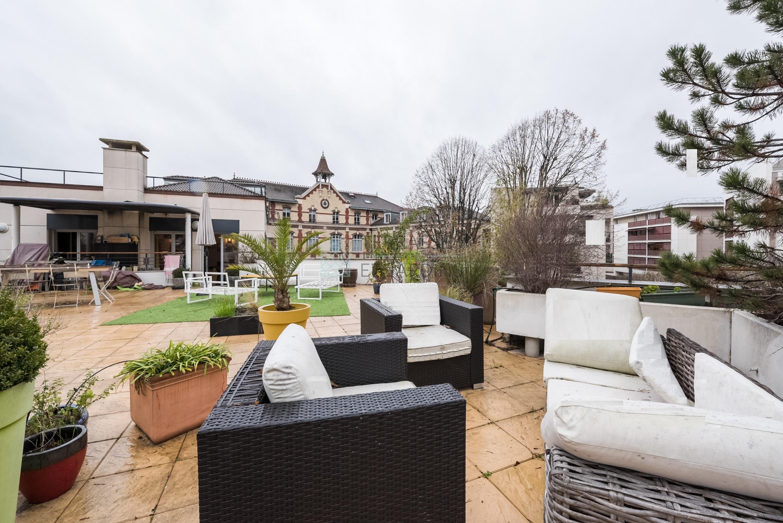 Issy Les Moulineaux – Mairie d'Issy – Appartement 3p – Terrasse – Dernier étage – Pkg
