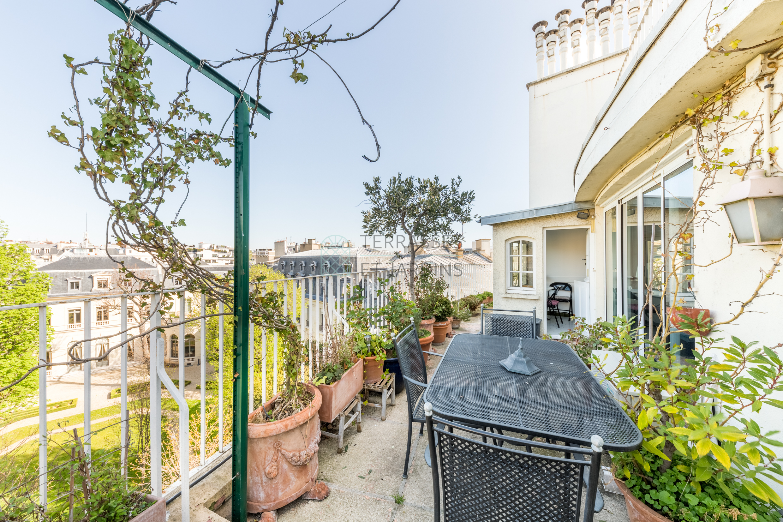Paris 08 – Champs Elysées – Appartement 3p – Terrasse