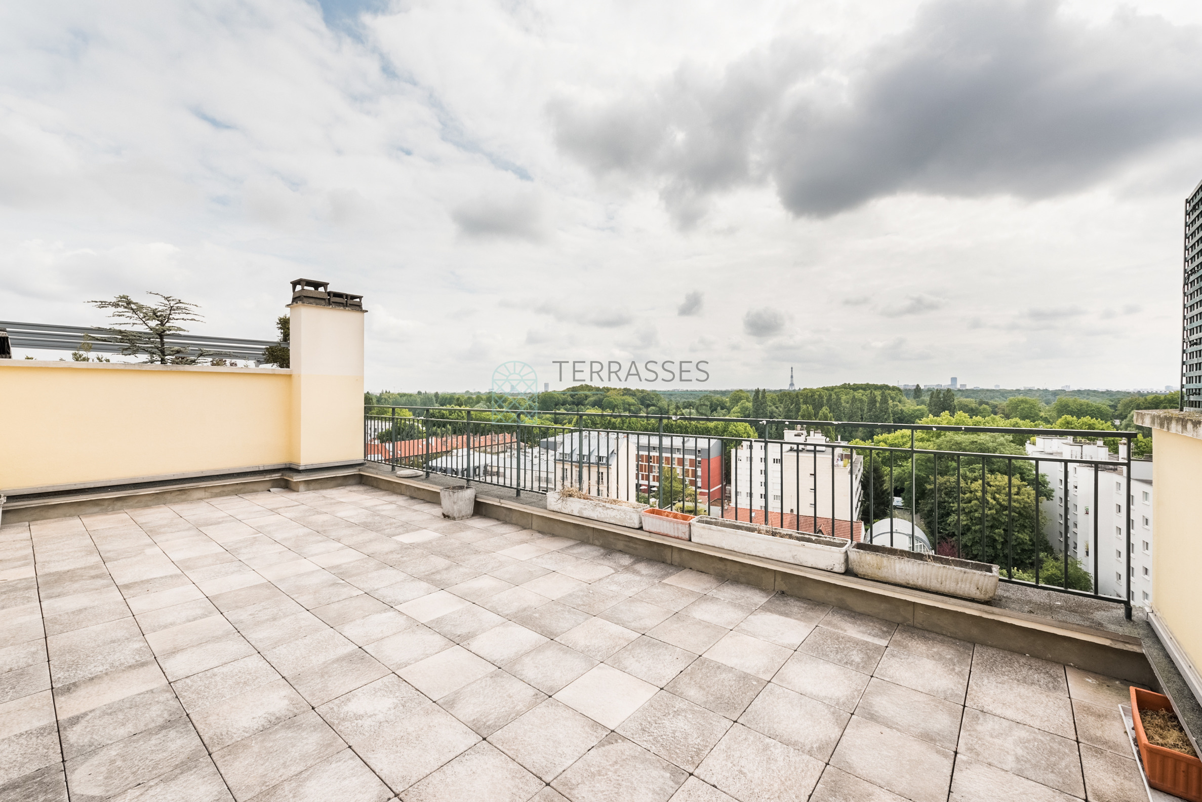 Saint Cloud – Les Coteaux – Appartement 5p – Terrasses – Balcons – Double box