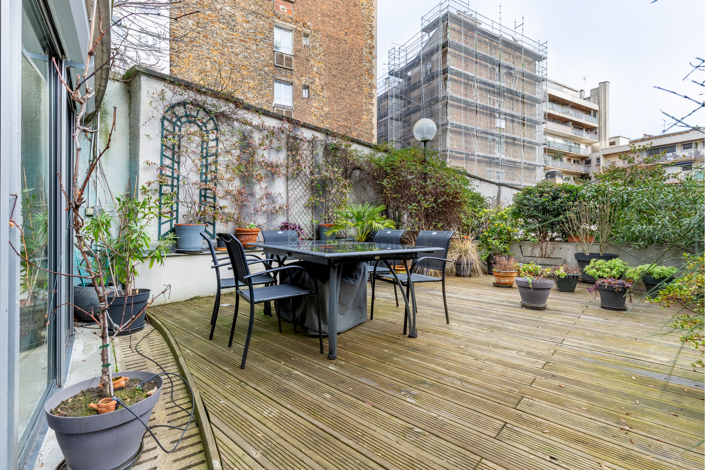 Paris 19 – Buttes Chaumont – Appartement Duplex 6p – Terrasses – Pkg