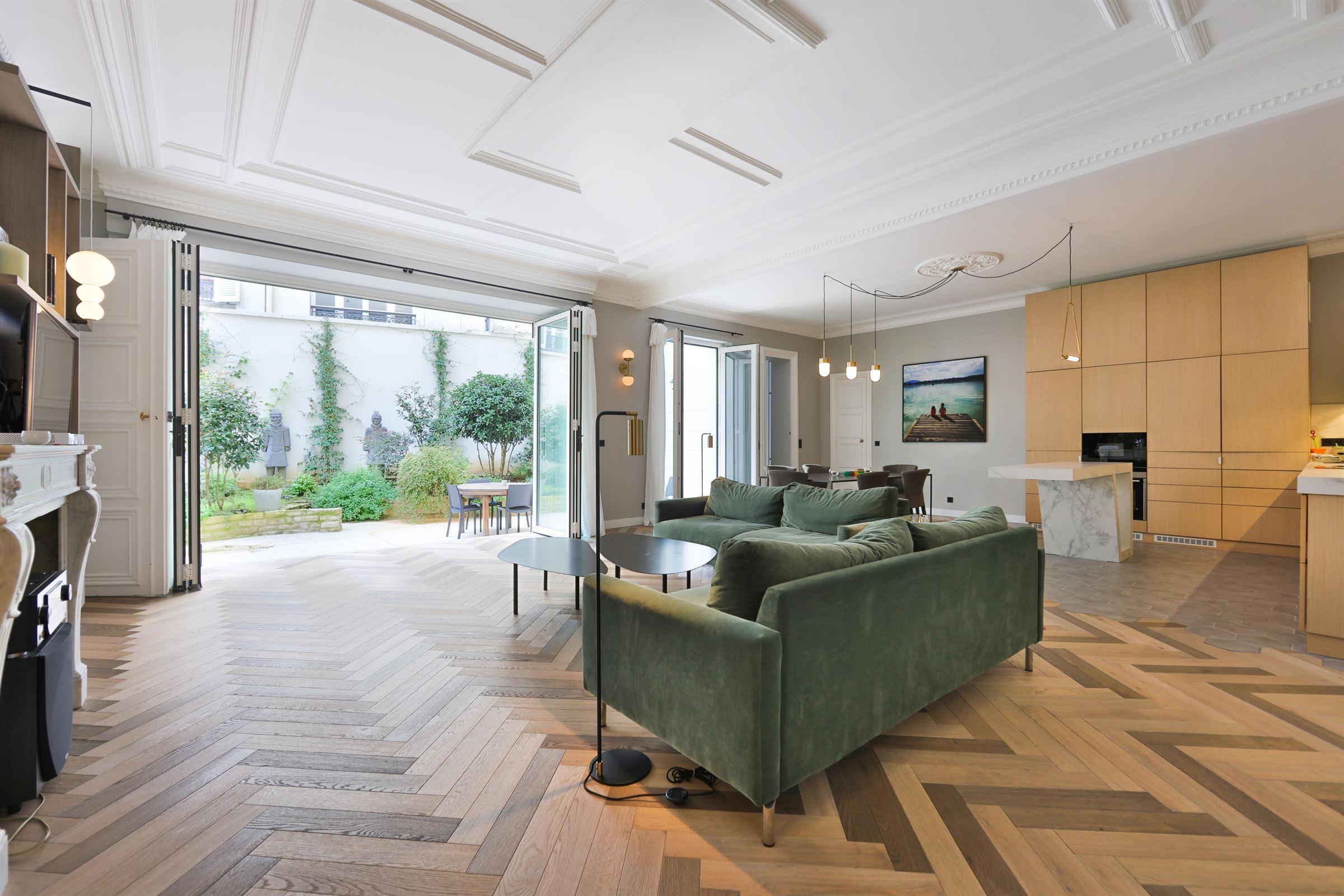 Paris 08 – Madeleine/Saint-Augustin – Appartement 7p – Terrasse – Jacuzzi