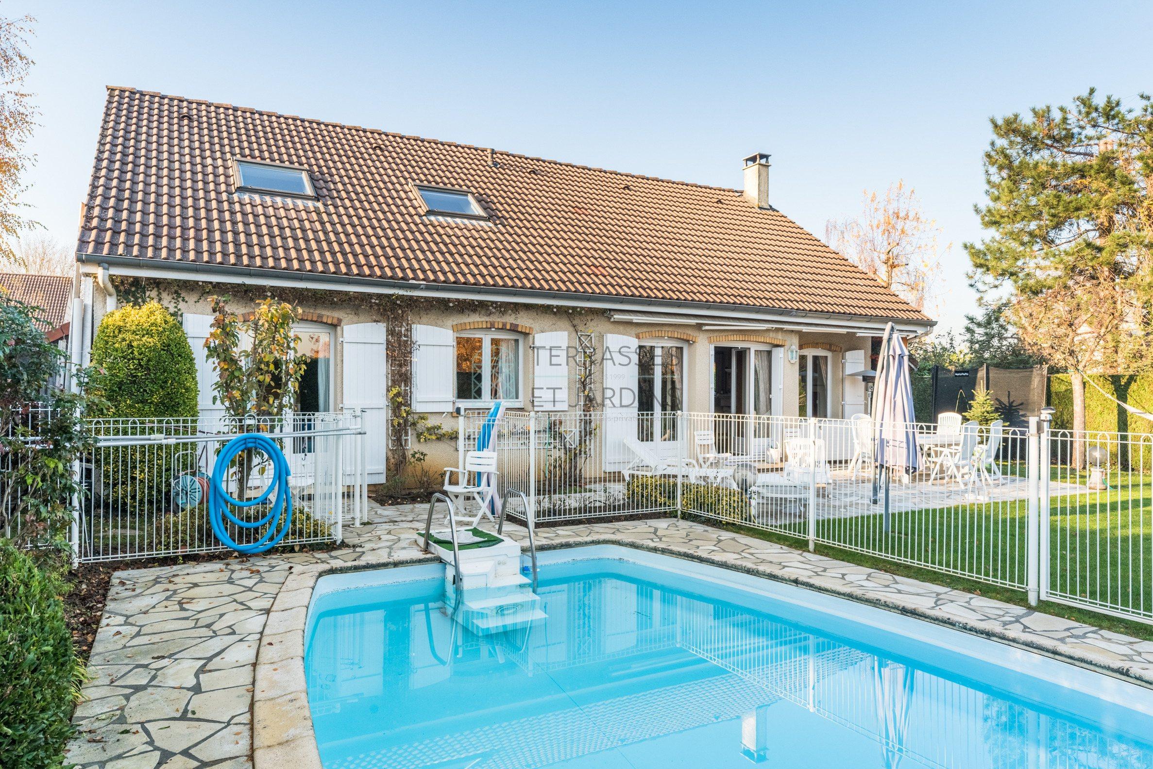 Saint Germain en Laye – Fourqueux – Maison 6p – Jardin – Terrasse – Piscine – Pkgs