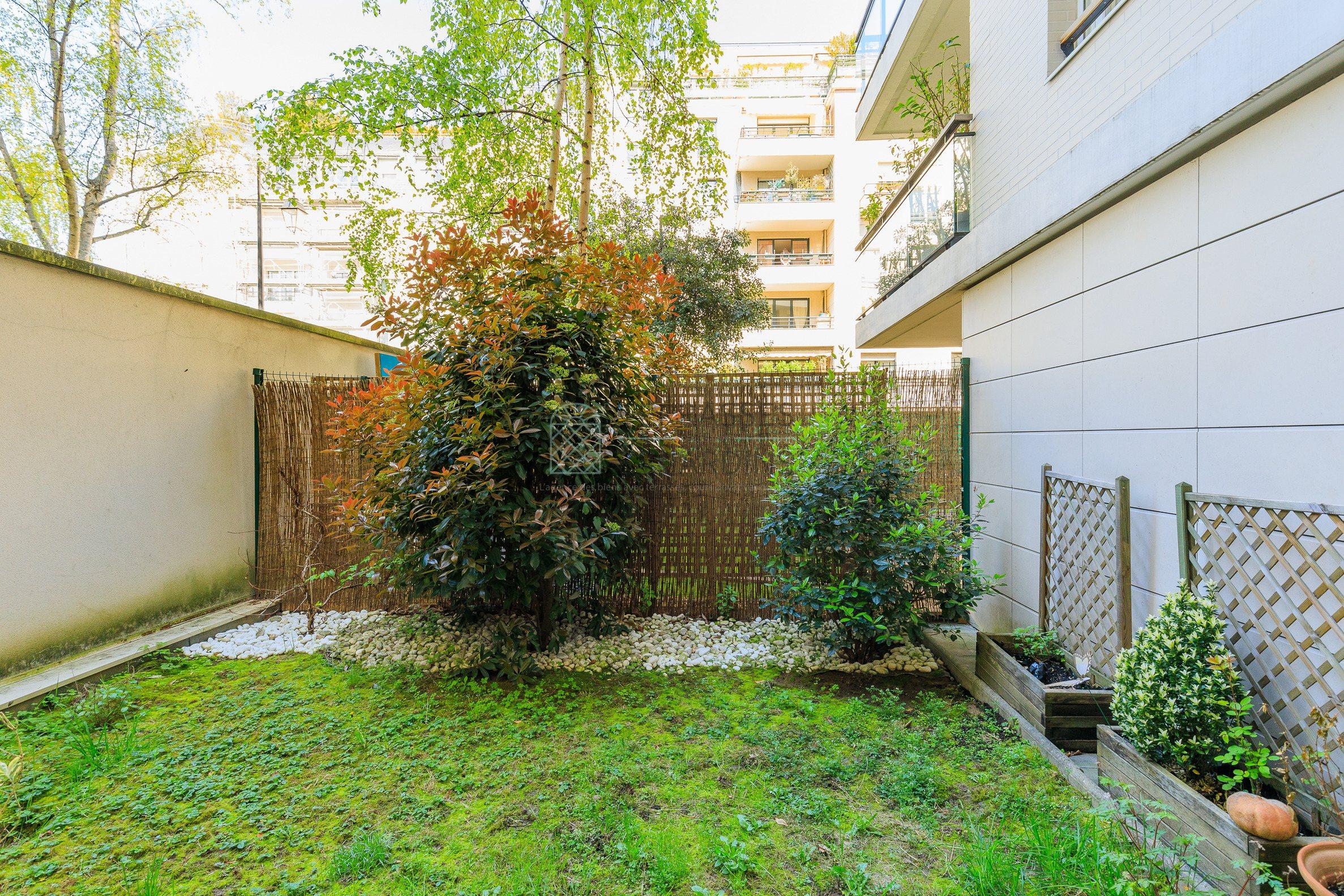 Courbevoie – Bécon – Appartement 5p – Terrasses – Jardin – Pkgs