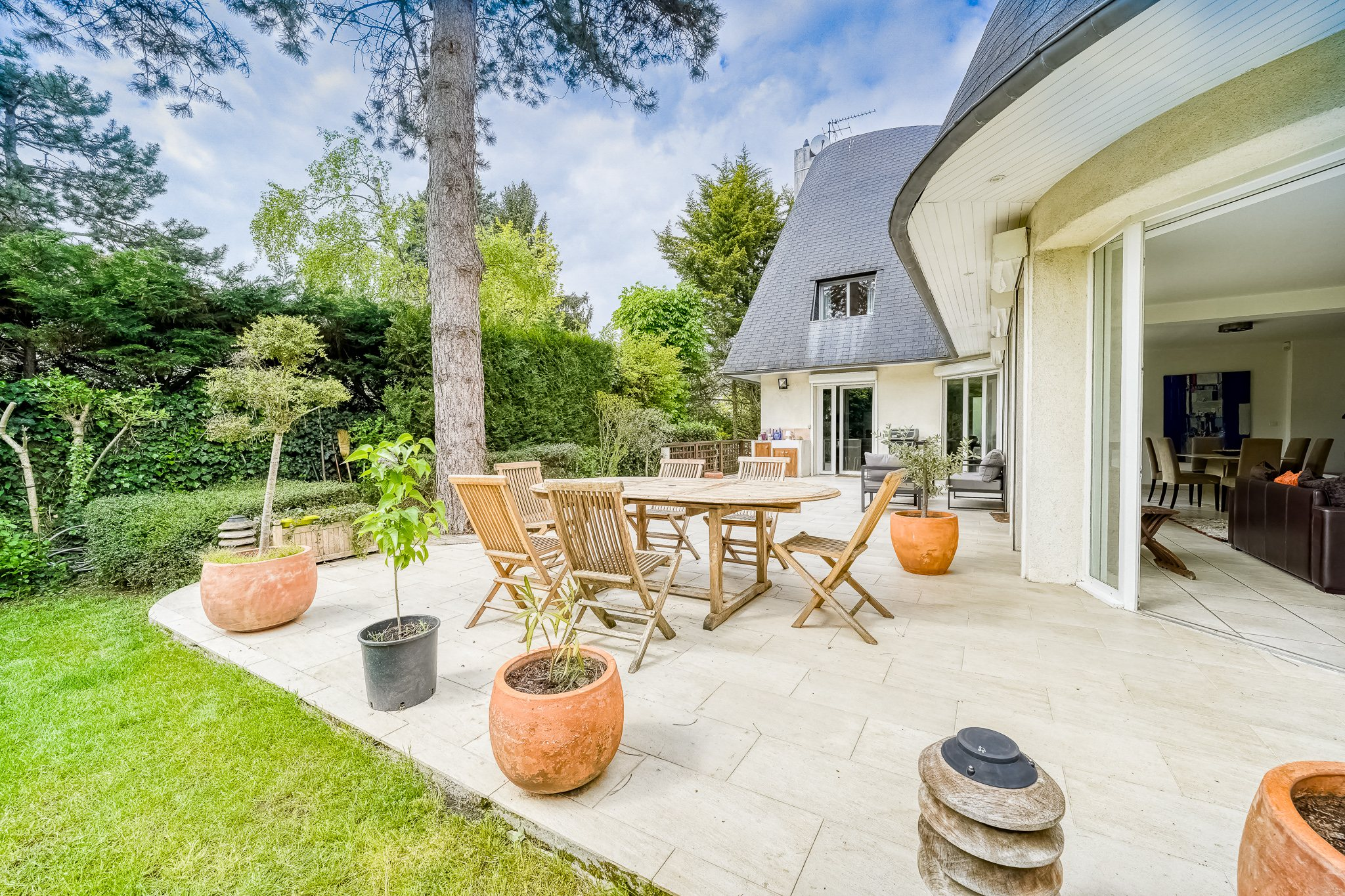 Saint Cloud – Montretout – Maison 10p – Terrasse – Jardin…..
