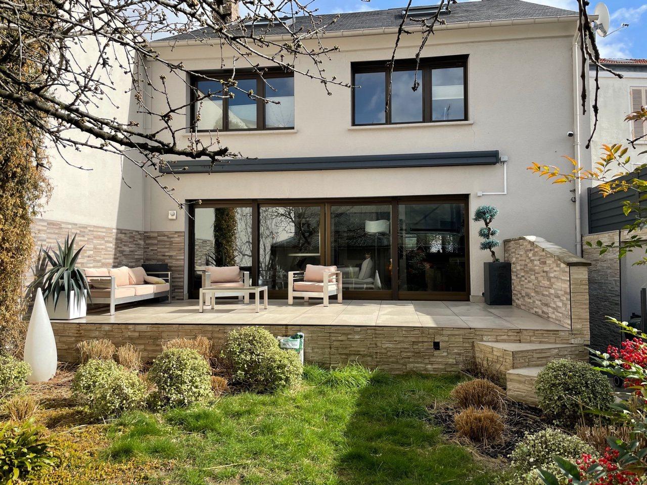 Les Lilas – Proximité Paris – Maison 9p – Terrasse – Jardin – Gge