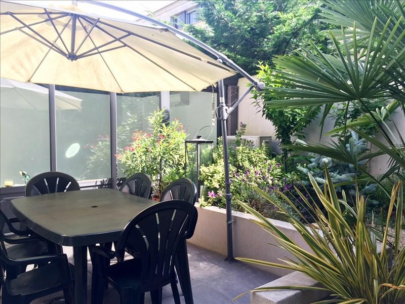 maison 5p vendre meudon avec terrasses et jardins 03716. Black Bedroom Furniture Sets. Home Design Ideas