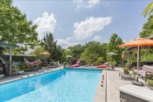 Maison 8p vendre noiseau avec terrasses et jardins for Piscine 75012